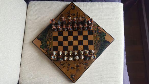 Шах с ръчно рисувани керамични фигури