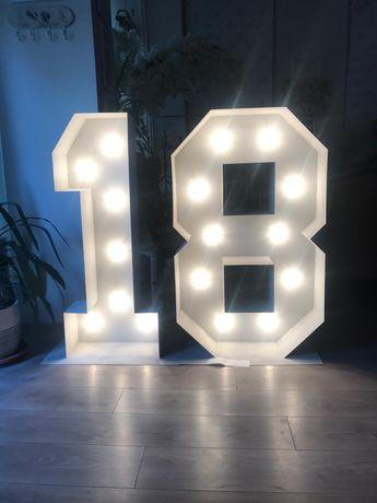 Litere luminoase metalice cifra 18