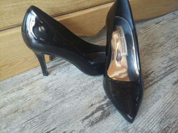 SALE. Нови обувки от естествен лак и други отлични от естествена кожа.
