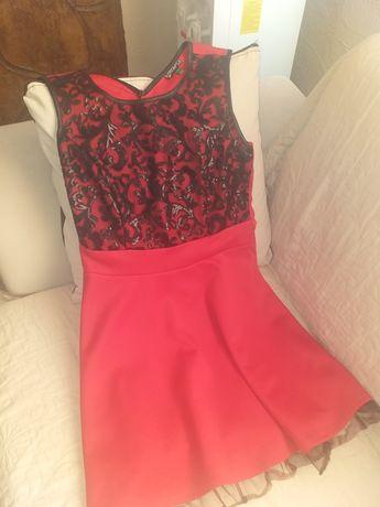 Продавам къса червена рокля 40 номер.