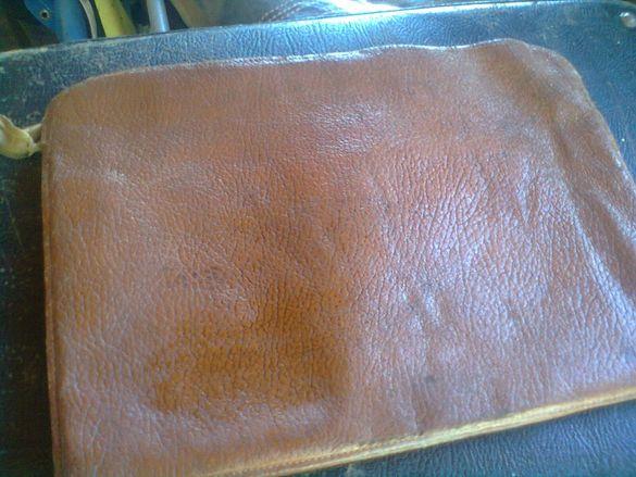 стара мъжка кожена колекционерска чанта от 50 години