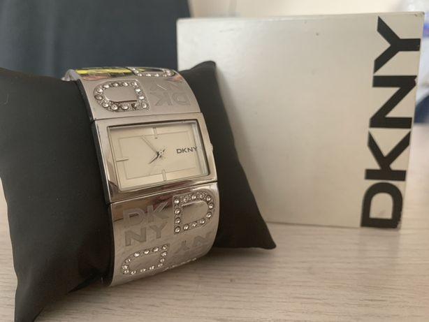 Часы DKNY (оригинал)