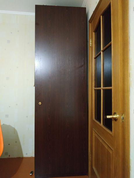Шкаф пенал продам