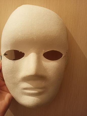 Продам маску театральную .
