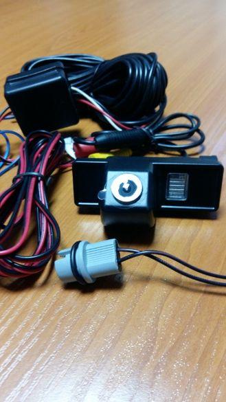 камера за автомобил за паркиране