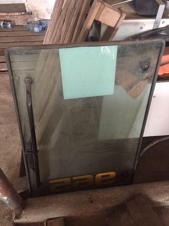 Usa sticla laterala si panou rabatabil spate buldoexcavator MF 965