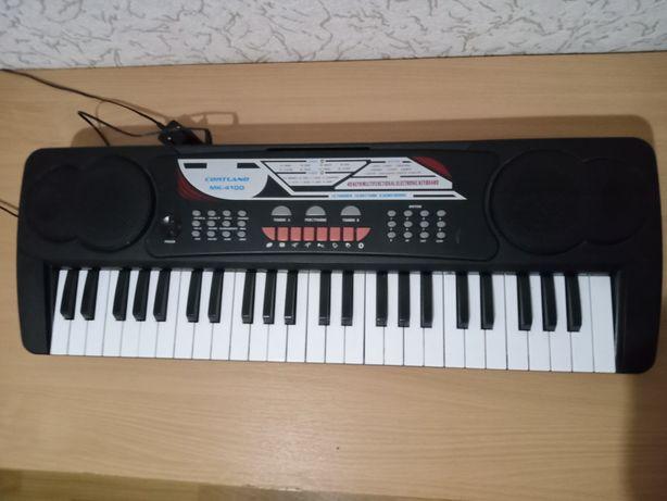 Продам новый синтезатор