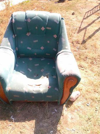 Продам диваны и два кресла