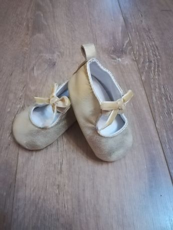 Pantofiori eleganți bebelușă
