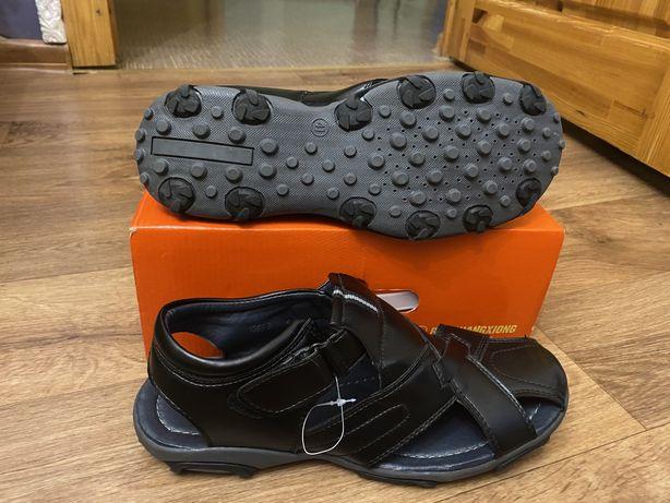 Продам сандали на мальчика , размер 38,5-39