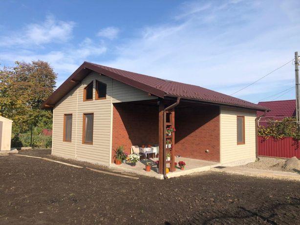 Casa din structura metalica invelita cu panouri sandwich termoizolante