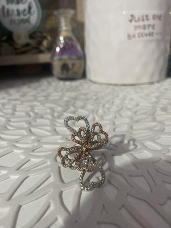 Сребърен пръстен с камъчета