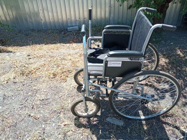 Инвалидная коляска, прогулочная.