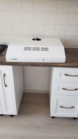 Продам кухонную вытяжку фирмы Bosch