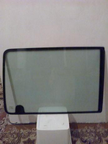 Подвижно ляво стъкло за рено канго-1998 Г.