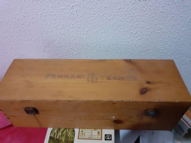 cutie veche de lemn FERRARI TRENTO
