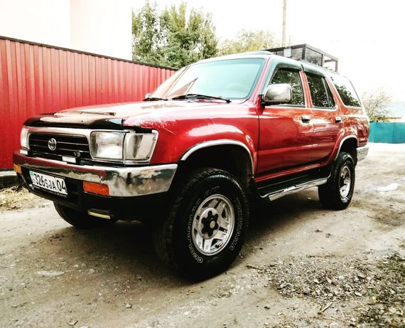 Продам Тойота форунеер 1993 год, объем 3 Газ Бензин