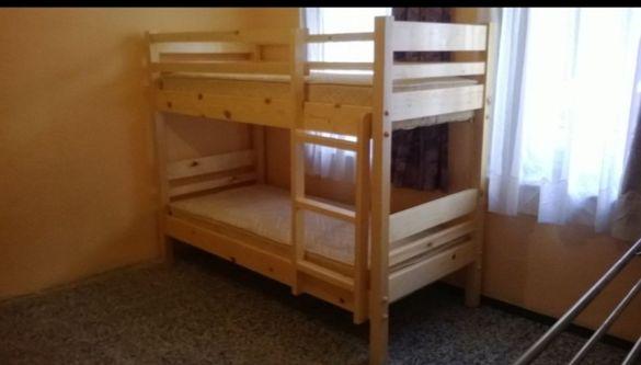 Продавам двуетажни легла