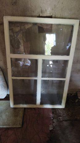 Продам б/у пластиковые окна 2шт