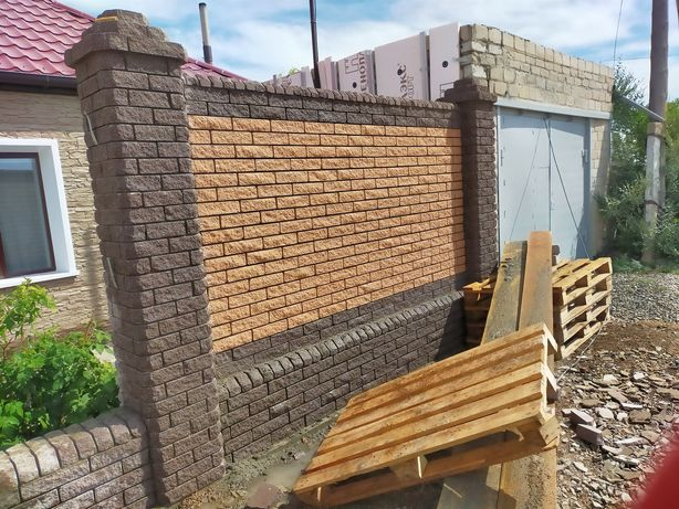 Забор из кирпича забор из металла