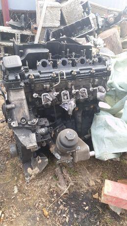 Dezmembrez motor BMW 320 163 cai M47