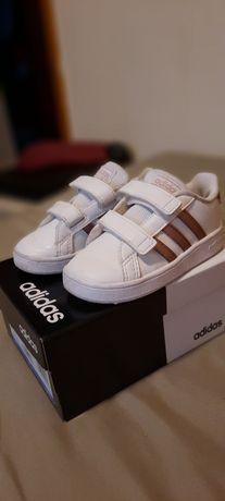 Adidasi Adidas marime 23 copii