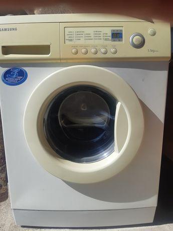"""Продам стиральную машину """"Самсунг"""" 5кг."""