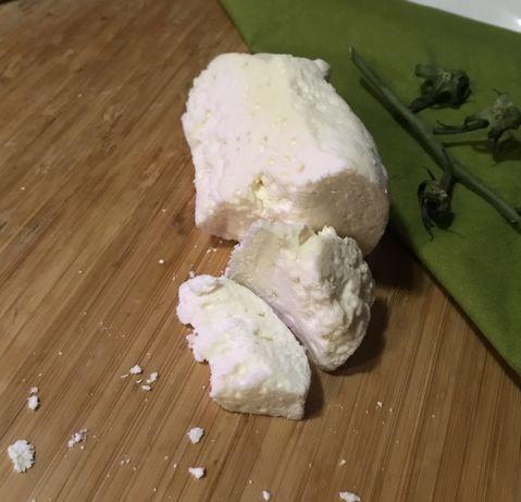 Vând telemea din lapte de capra integral
