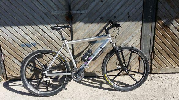 Велосипед/колело 26 цола,външна гума,команди,калници.