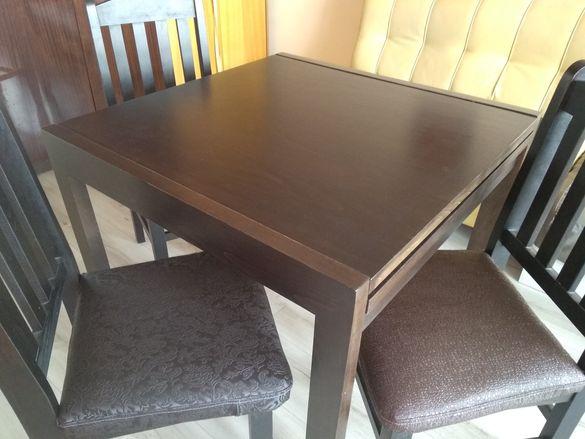 Кухненска маса с четири стола