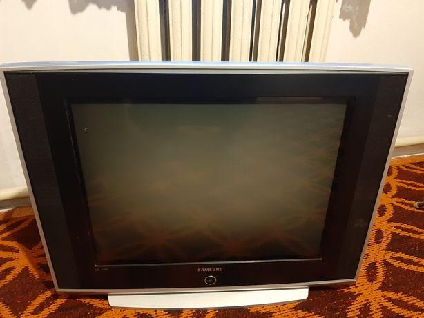 Продам телевизор б/у в нерабочее состоянии.