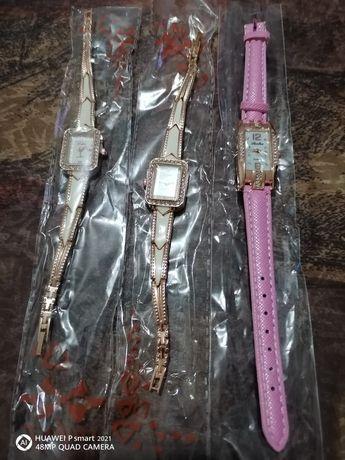 Два модела качествени позлатен дамски ръчен часовник
