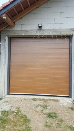 Usi de garaj 1800*2000 Stejar auriu