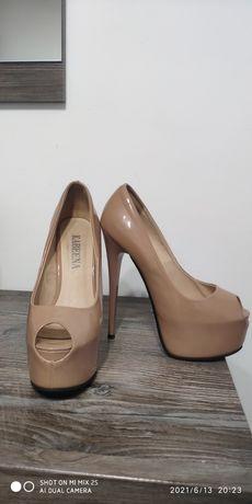 Женские туфли,бежевого цвета