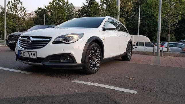 Opel insignia country tourer 2.0 d ,163 cp ,automata / 4x4