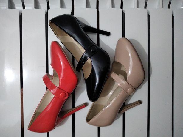 Туфли размер 39. Продам. Срочно. В идеальном состоянии