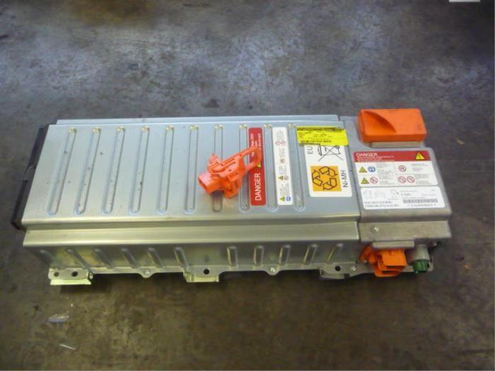 Продавам тягов акумулатор за Peugeot 3008 Hybrid4 гр. София - image 1