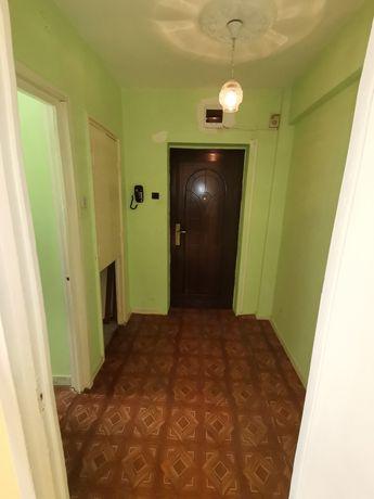 Apartament semidecomandat