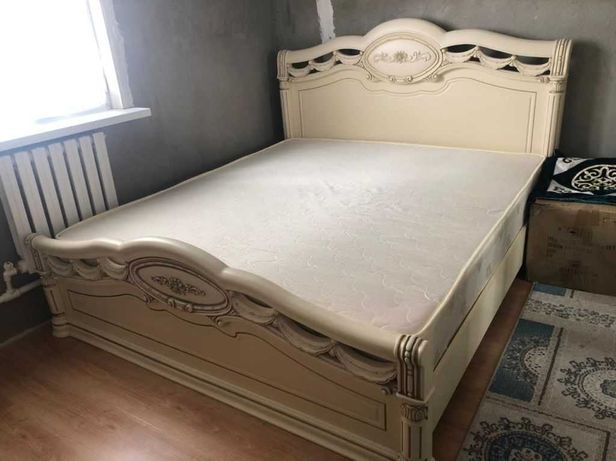 Продается кровать . Матрас сделан на заказ ортопедический