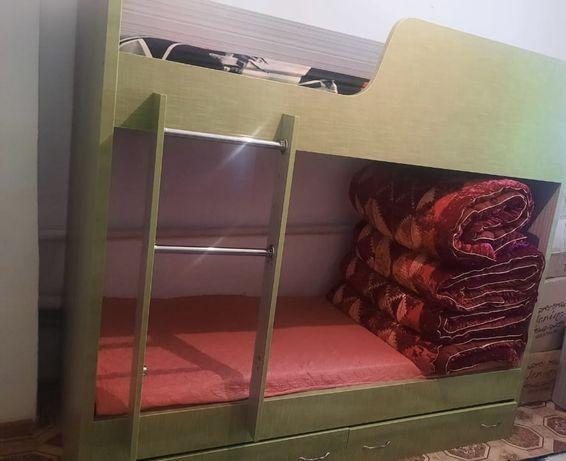 Двухярусьная кровать