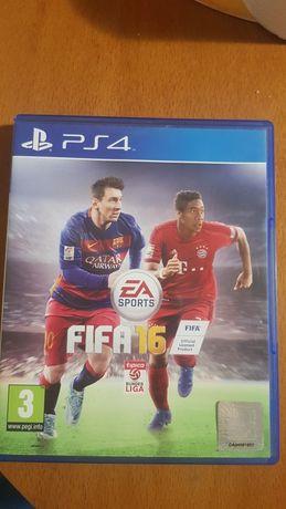 Продавам Fifa 16