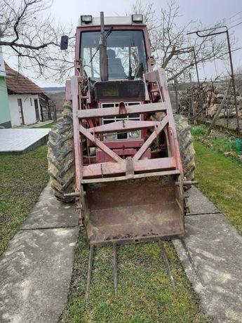 Tractor 845 XL de 85 CP