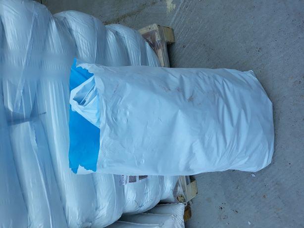 Vand saci de plastic ideali pentru struguri sau moloz