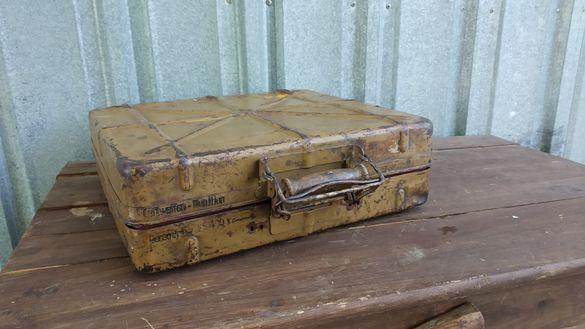 Luftwaffe munition. Ww2  метална германска кутия за авиационни муници