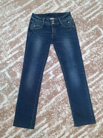 Новые женские джинсы 26-27 размера