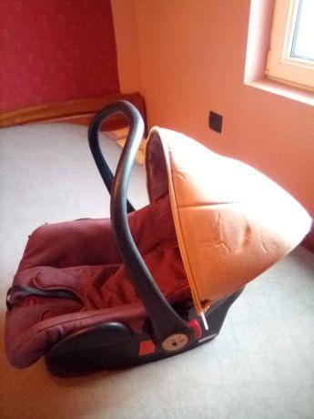 Столче за кола за бебе