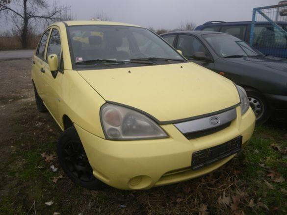 Suzuki Liana на части