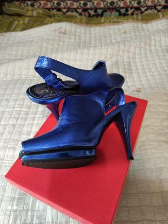 Обувь  37размера