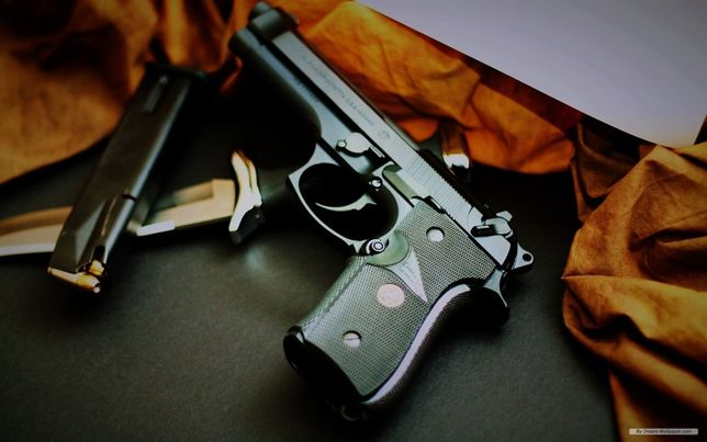 Cel mai Puternic si precis Pistol Airsoft Taurus PT92 FULL METAL-LETAL