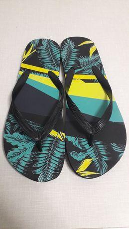 Papuci de baie Noi